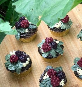 Blackberry & Raspberry Autumn Bramble Cupcakes