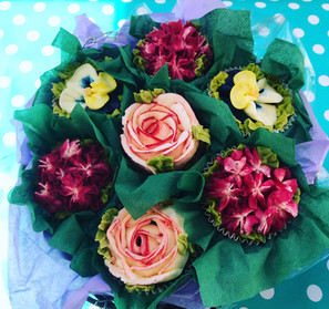 7 Flower Cupcake Bouquet