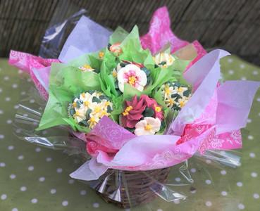 7 Piece Spring Flower Bouquet