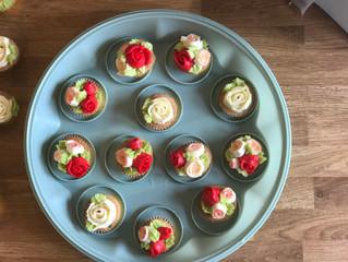 Mini Buttercream Rose Bouquet Cupcakes