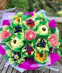 13 piece flower bouquet