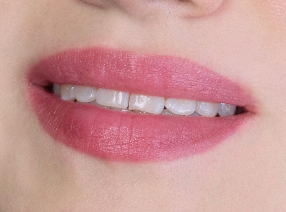 Напыление губ, эффект блеска
