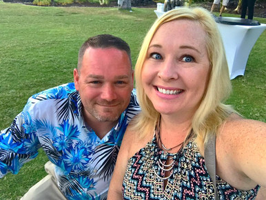Andria and her husband at Centauri's 2017 Agency Incentive Trip Recognition Dinner in Hawaii.