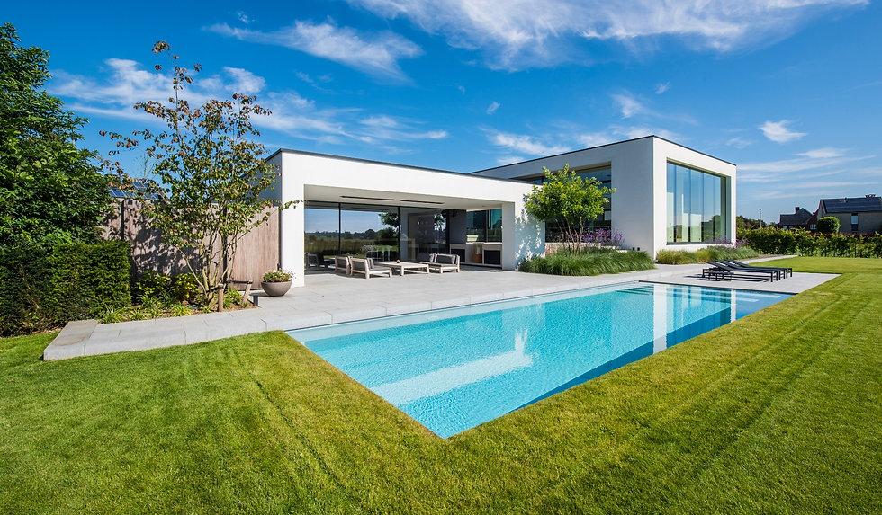 liempde-zwembad-bij-moderne-villa-1.jpg