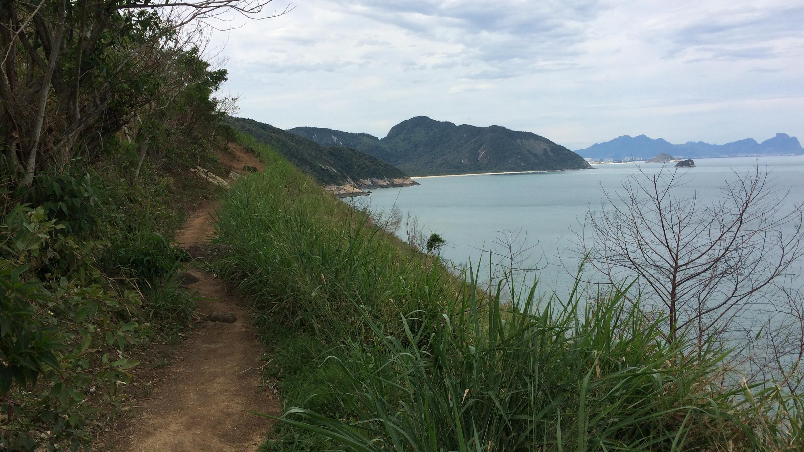 Hiking to Praia o Meio