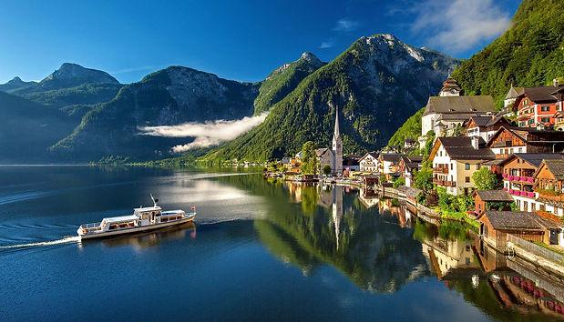 Mit dem Schiff nach Hallstatt© Pixabay