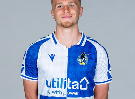Town sign Rovers player on loan