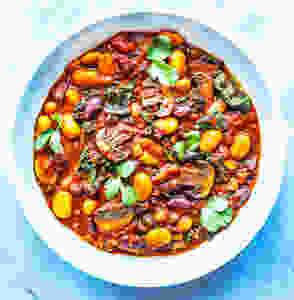 Spicy 3-bean kale stew