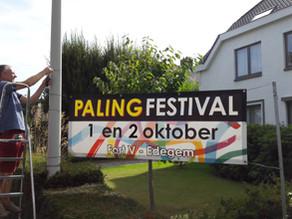 Edegem werd voorzien van affiches en banners