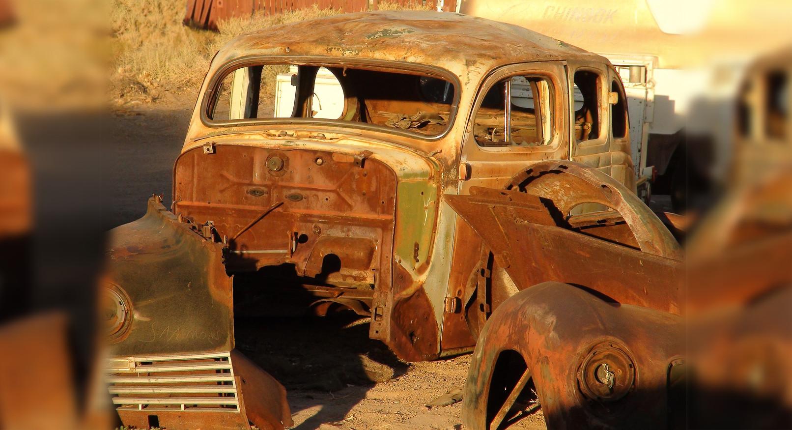 Car wreck USA.jpg
