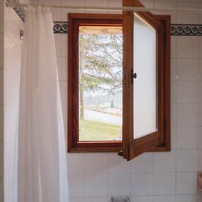 Lavabo finestra.jpg