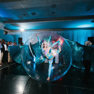 Contortion in a Bubble