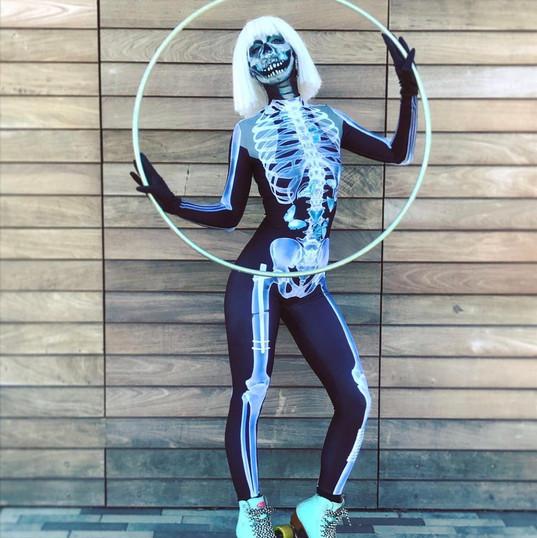 Skating Skeleton Hooper