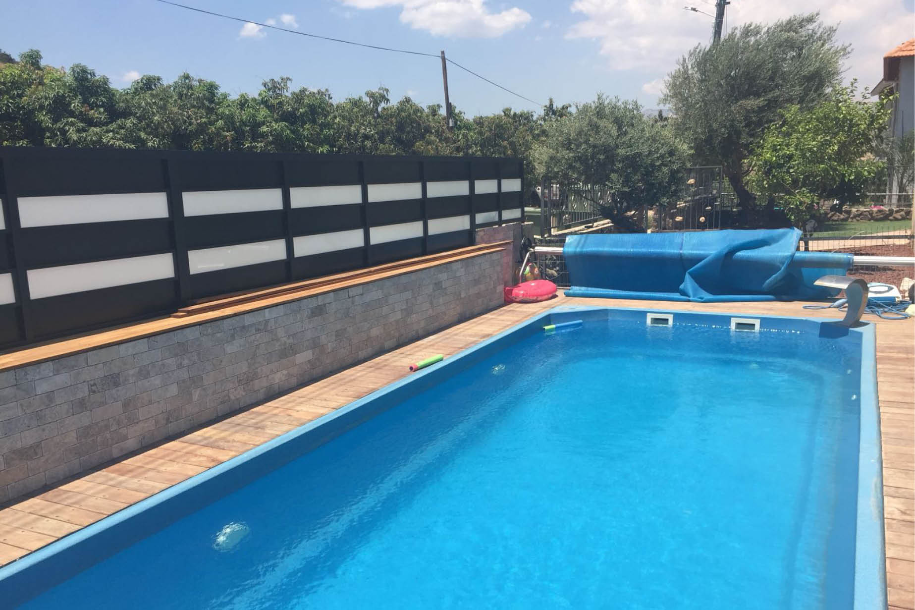 בריכת שחייה (3)