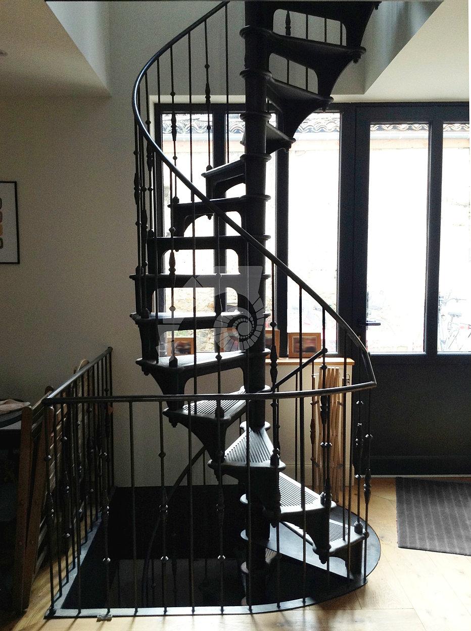 escalier colimacon industriel. Black Bedroom Furniture Sets. Home Design Ideas