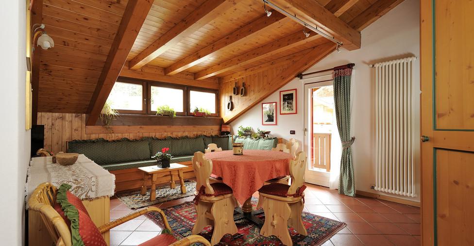 Morfeo - veduta soggiorno e balcone