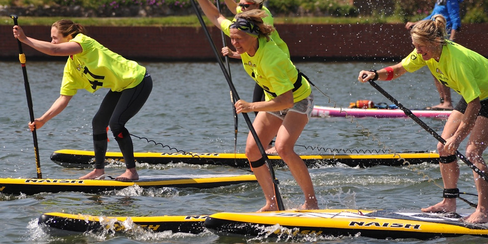 BRITISH CANOEING PADDLE IN THE PARK