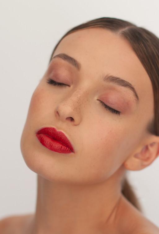Fresh Skin Beauty Makeup