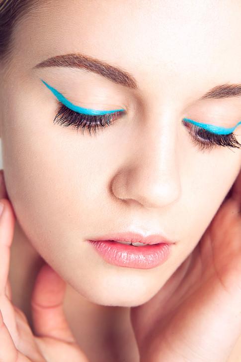 Blue Winged Liner Makeup
