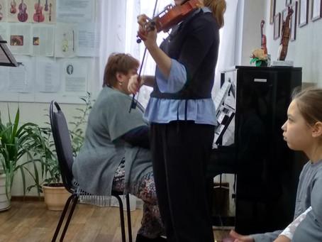Мастер-класс по игре на скрипке для юных музыкантов