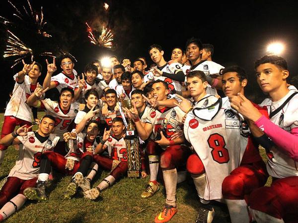 Spartans campeones Juvenil Contact