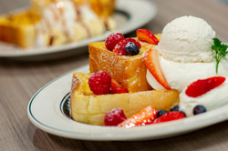 mixed-berries-french-toast
