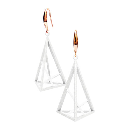 Spacing Triangle Earrings L Size (White) | Sense of Space Collection