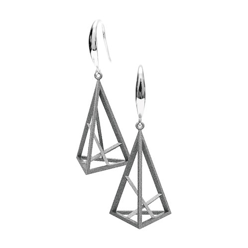 Spacing Triangle Earrings S Size (Grey) | Sense of Space Collection