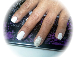 NAIL ART WITHE NATURVELL