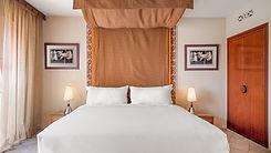 rakmd-king-guestroom-2917-hor-clsc.jpg
