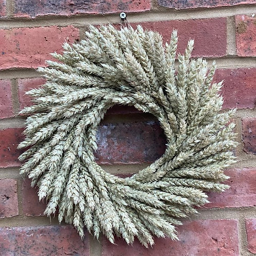 Wreath: Straw