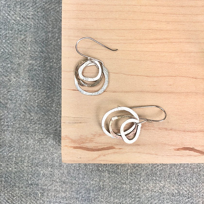 classic circle earrings #25