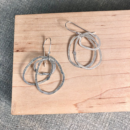 classic cirlce earrings #4