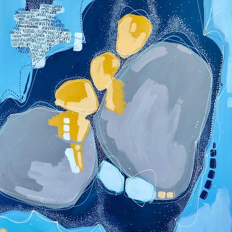 grey and ocher pebbles