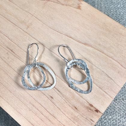 classic cirlce earrings #10