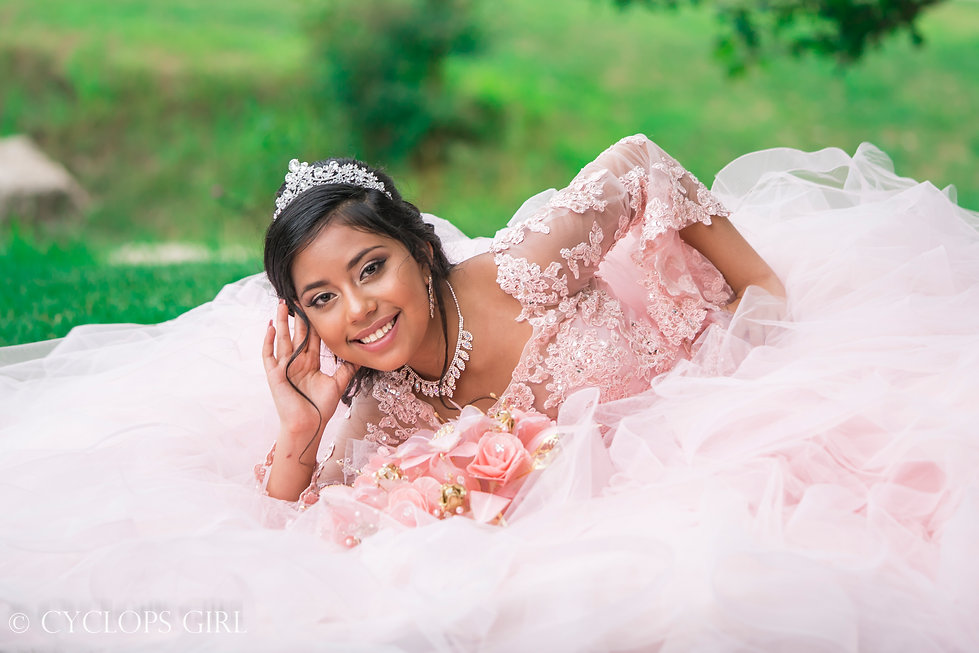 Quinceañera_Portraits_of_Cristal_by_Cycl
