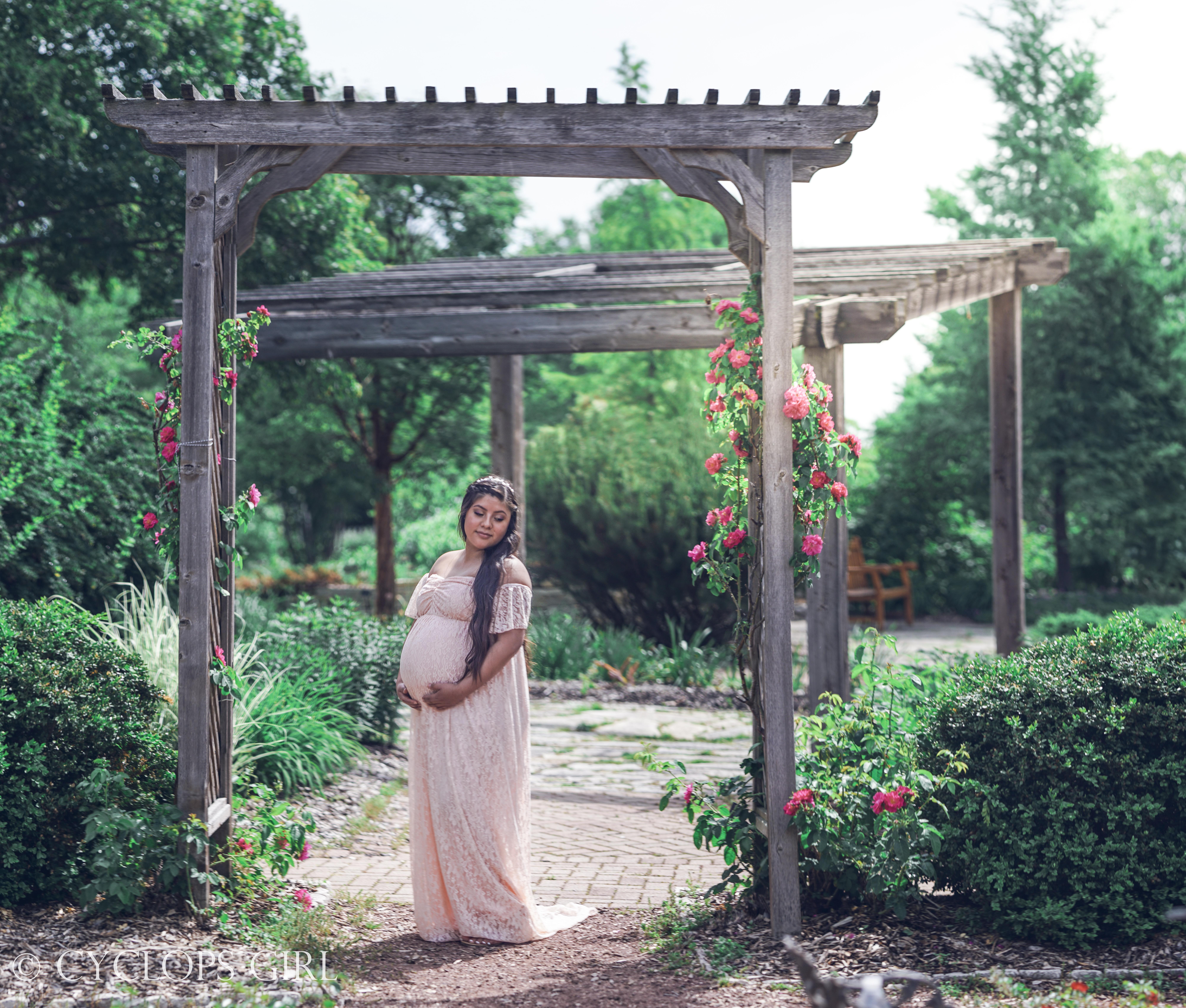Selena Leon Maternity Photoshoot by Cycl