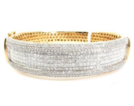 Diamond Bangle 10.40ct