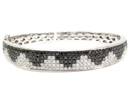 Black and White Diamond Bangle 4.15ct