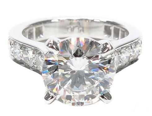 Solitaire Diamond Platinum Engagement Ring