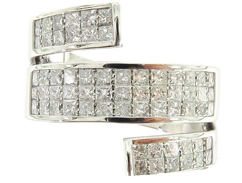 Princess Cut Invisible Diamond Twisted Ring