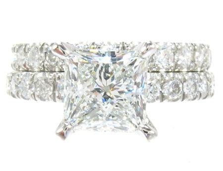 White Gold Princess Round Cut Prong Diamond