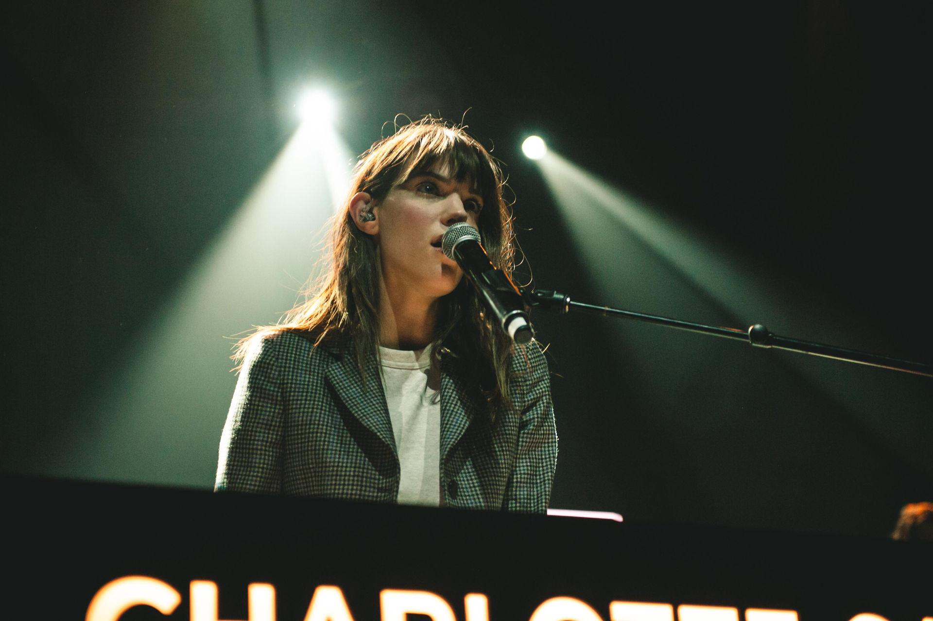 CharlotteCardin2-5.jpg