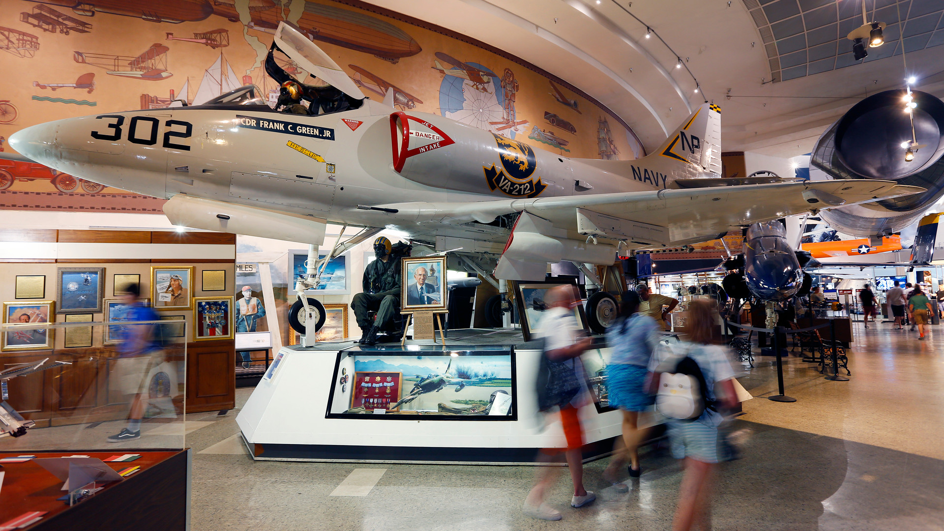 Air_and_Space_Museum_177 (2).jpg