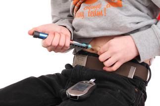 Tratamiento adecuado con insulina ante diabetes infantil
