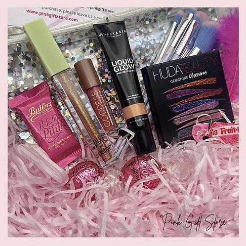BEAUTY BOX- Huda Beauty, Anastasia Beverly Hills & Pixi Beauty.