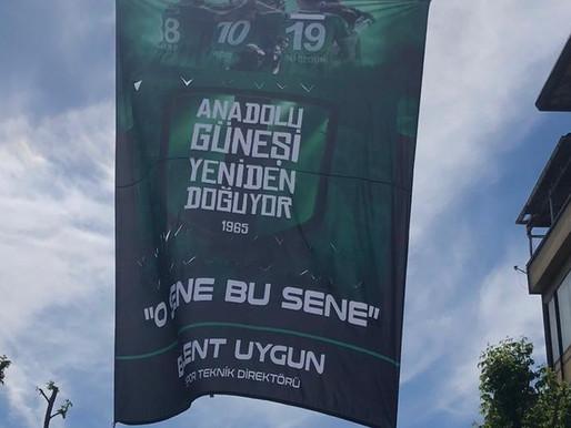 Bülent Uygun Sakaryaspor'u unutmadı.