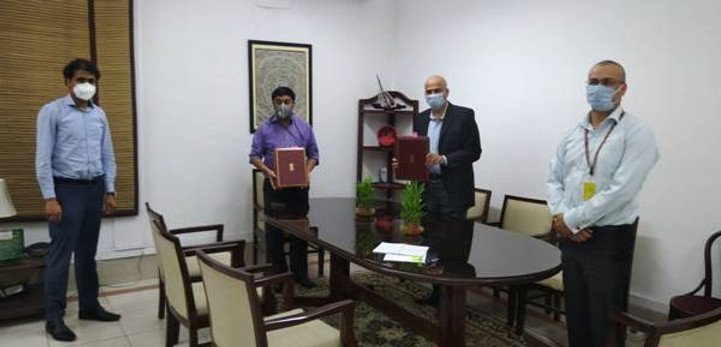 India signs 500 mln USD loan agreement with AIIB for improvement of Mumbai suburban railway
