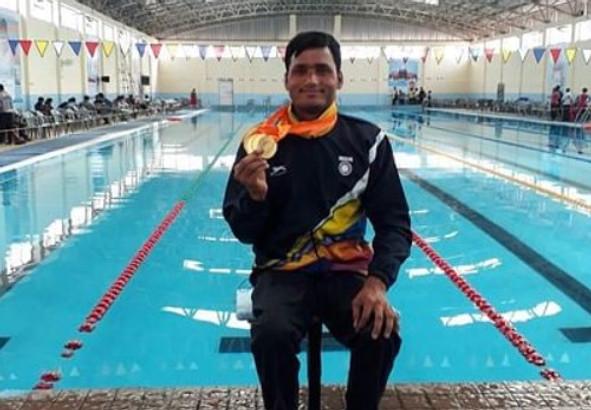 Para Swimmer Satyendra Singh Lohia of Madhya Pradesh awarded the Tenzing Norgay Adventure Award.