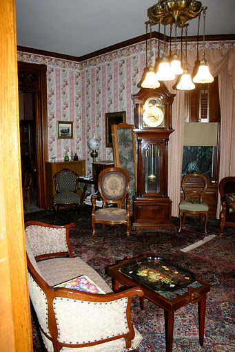 Victorian Home Living Room - Before Picture